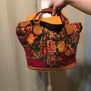 Handbags - Big , adaptable shoulder and crossbody bag .